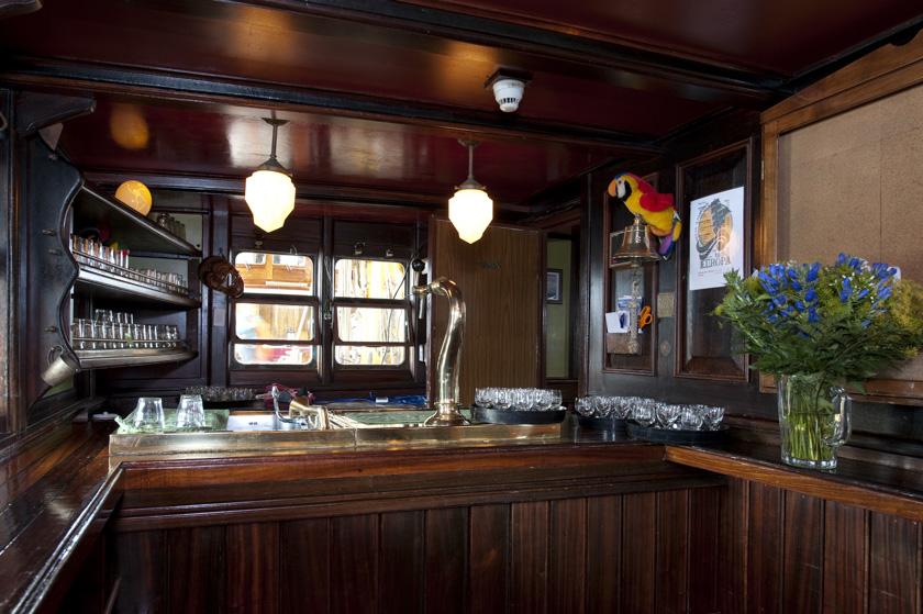 Bar_Rolf_Vogel_5336
