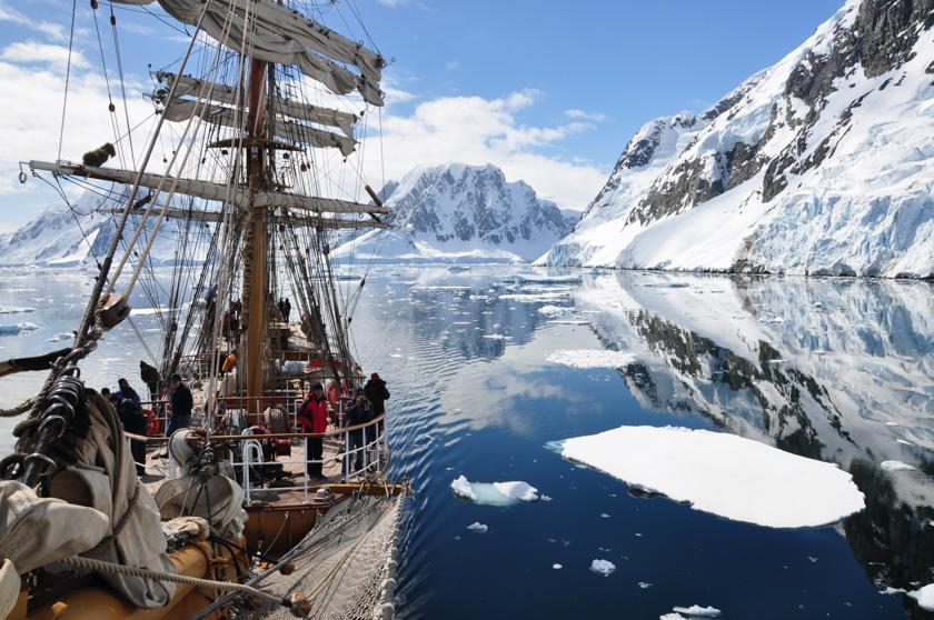 antarcticaeuropamotoring_mattmaples