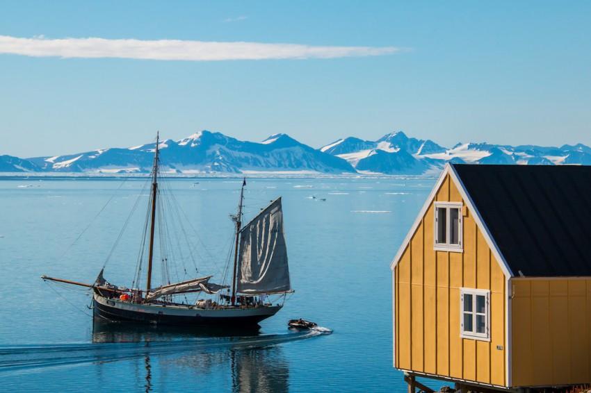 Dutch_Tall_Ships_Tecla_Greenland_house